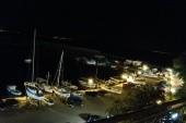 Noční výhled z pokoje na přístav