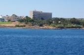 hotel, pohled z lodi na moři
