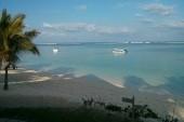 výhled z restaurace na pláž