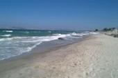 Pláž při velmi silném větru.