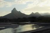 Okolní hory při svítání