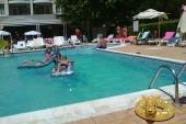 bazén hotelu Karlovo