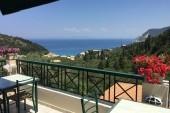 výhled z hotelové terasy