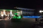 Recepce=bar a bazén s fontánou