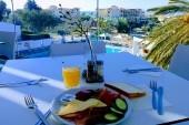 Ellia_breakfast