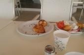 Mouchy na snídani