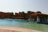 Bazén a pavilony