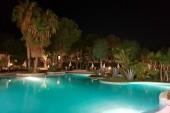 Bazén u restaurace