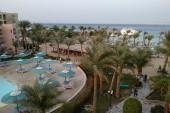 Výhled z balkónu na resort