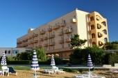 Hotel od pláže