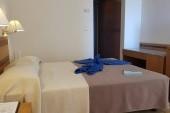 Hotelový pokoj 2