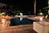 bazén u apartmánů