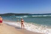 Na plazi