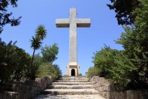 Křížová cesta + obří kříž Filerimos