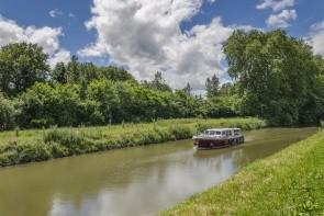 Plavba po burgundském kanále