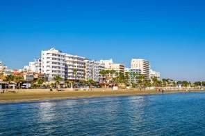 Pláž Finikoudes