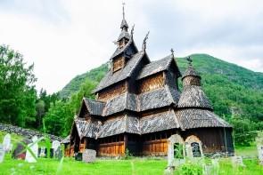 Sloupový kostel v Borgundu