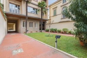 Firenze Apartment