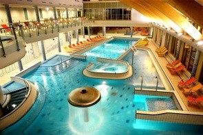 Hotel Velence Resort & Spa