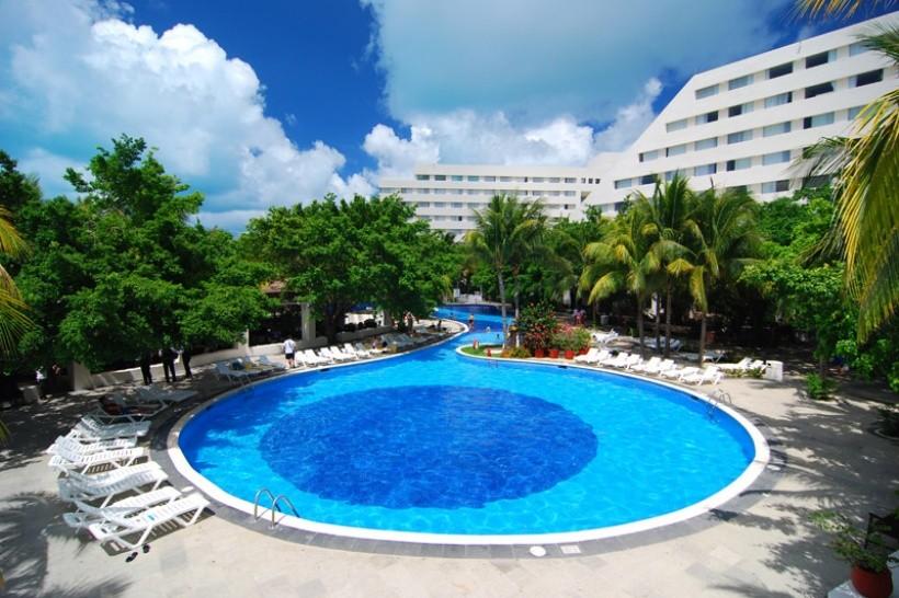 Grand Oasis Palm Resort & Spa