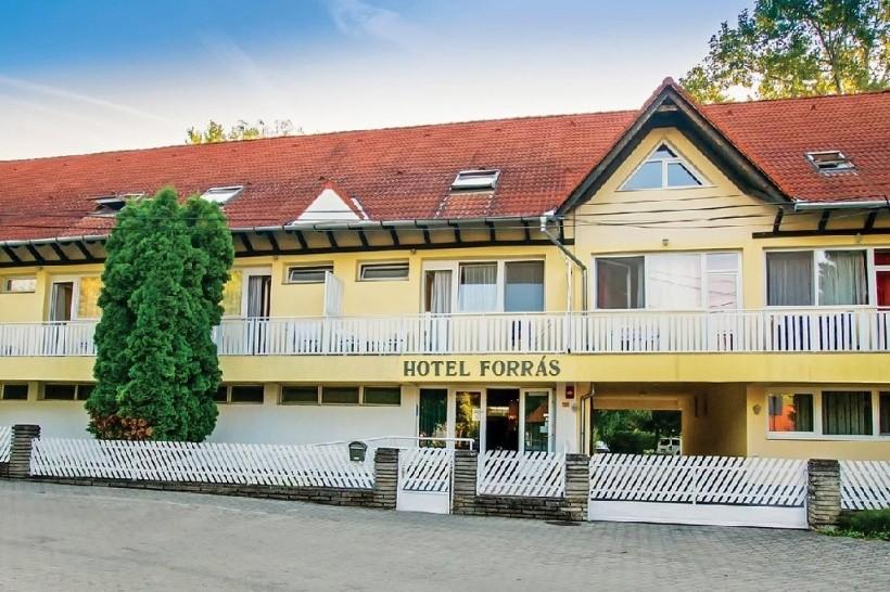 Hotel Forrás
