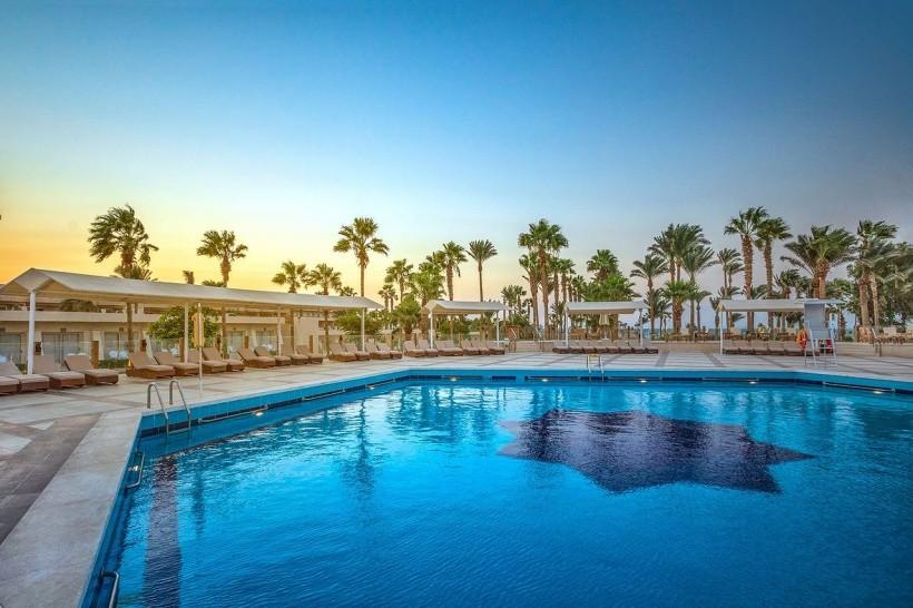 Meraki Beach Resort