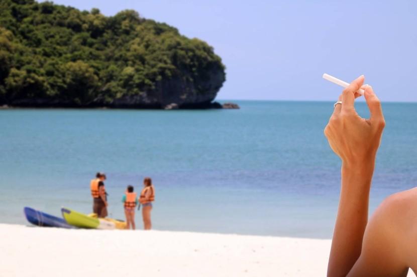 Na thajských plážích si už nezapálíte