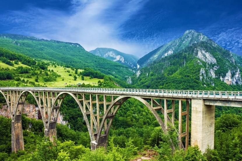 Most přes kaňon Tara