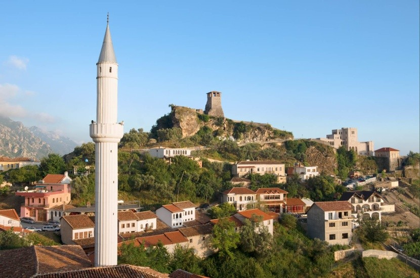Minaret a hrad v Krujë