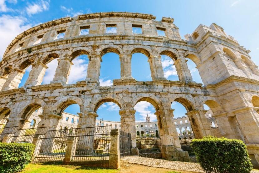 Římský amfiteátr v Pule