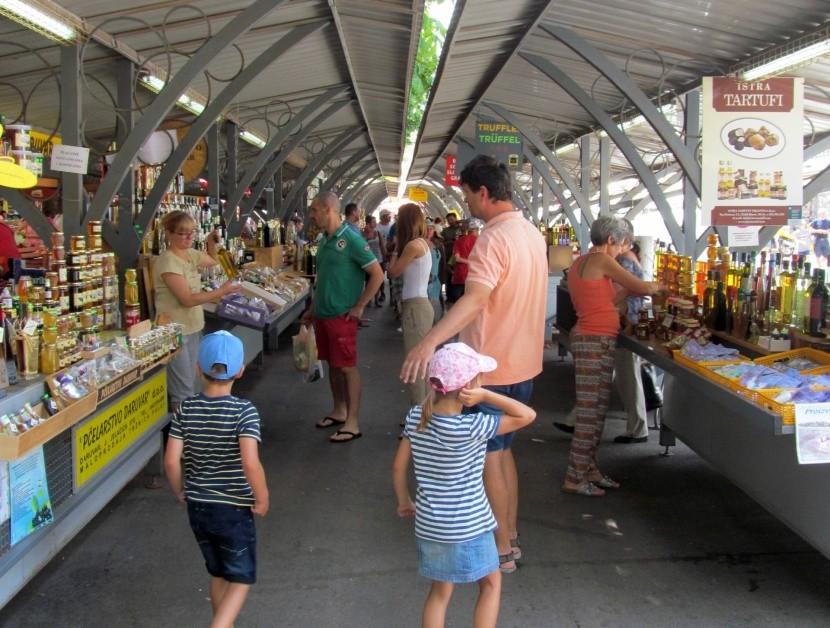 Tržiště v Pule