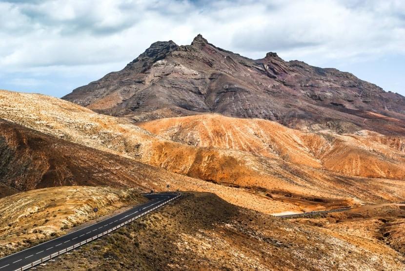 Sopečná krajina na Fuerteventuře
