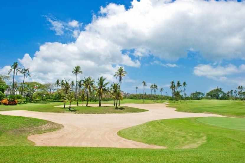 Několik golfových hřišť světové úrovně