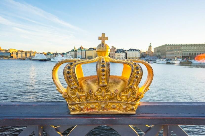 Zlatá koruna na mostě Skeppsholmssbron