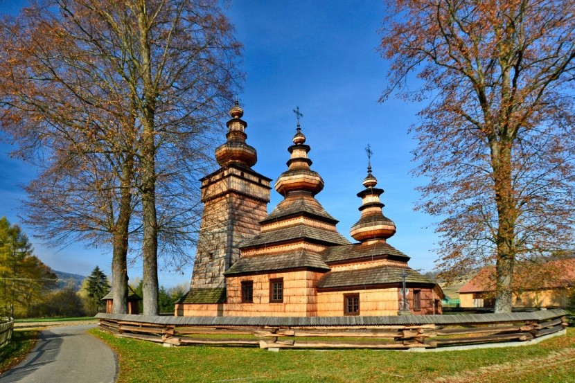 Dřevěný kostel v obci Kwiatoń