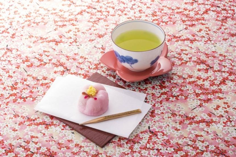 Během Hanami najdete květy sakury všude