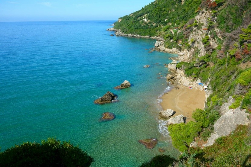 Nudistická pláž Mirtiotissa, Korfu