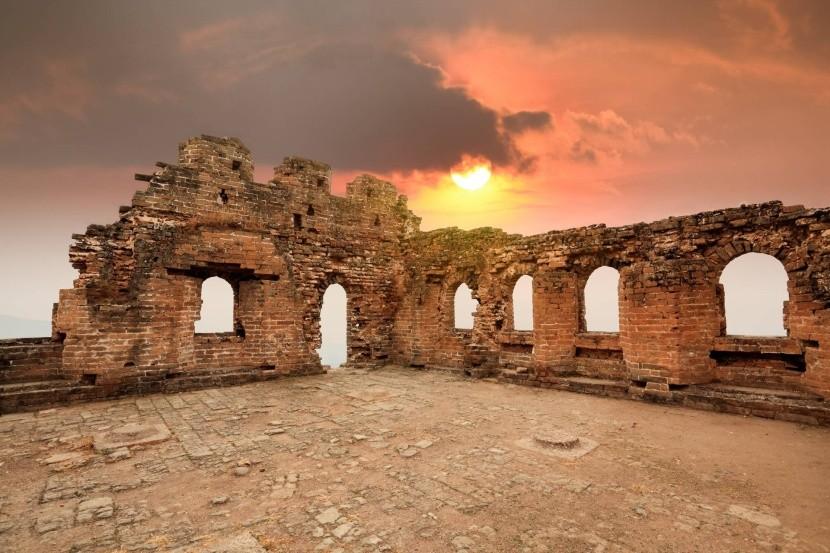 Ruiny jedné ze strážních věží