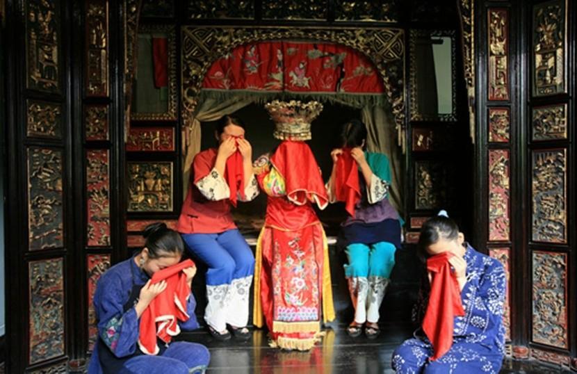 Nevěsta z oblasti Tujia musí plakat