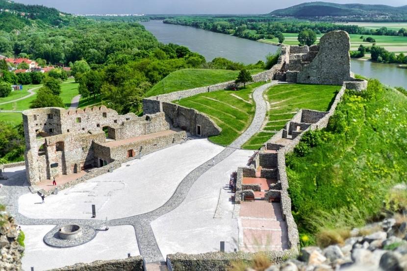 Zřícenina hradu Děvín v Bratislavě