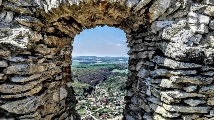 Výhled z Čachtického hradu