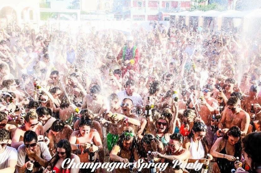 Party bazénový areál na Zakynthosu