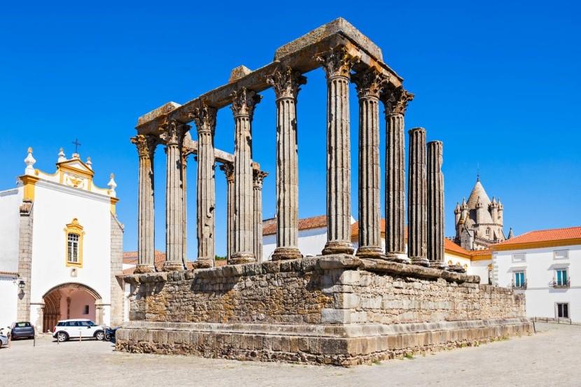Římský (Dianin) chrám v Évoře
