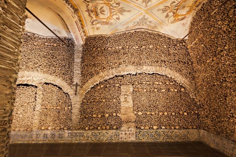 Capela dos Ossos v Évoře