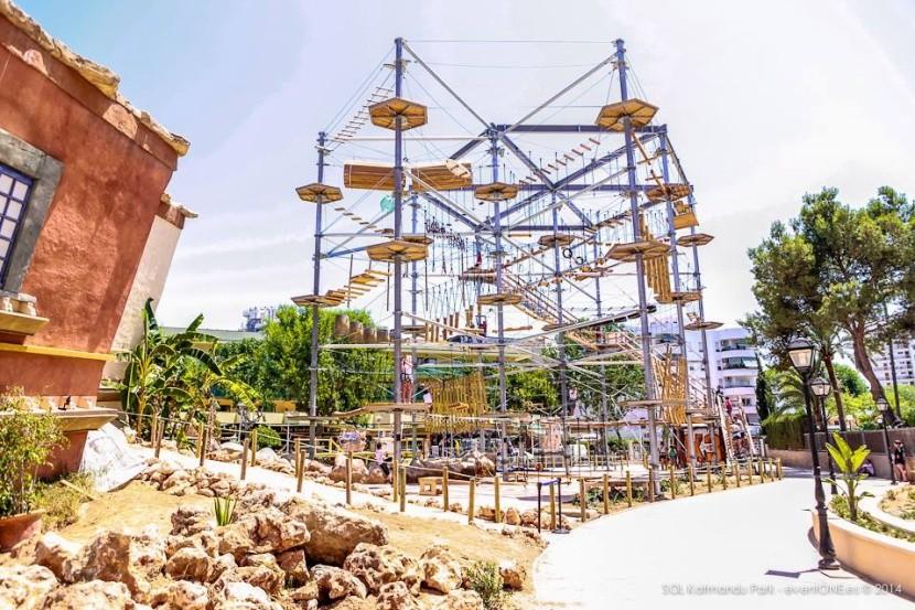 Katmandu Park - lanové prolézačky