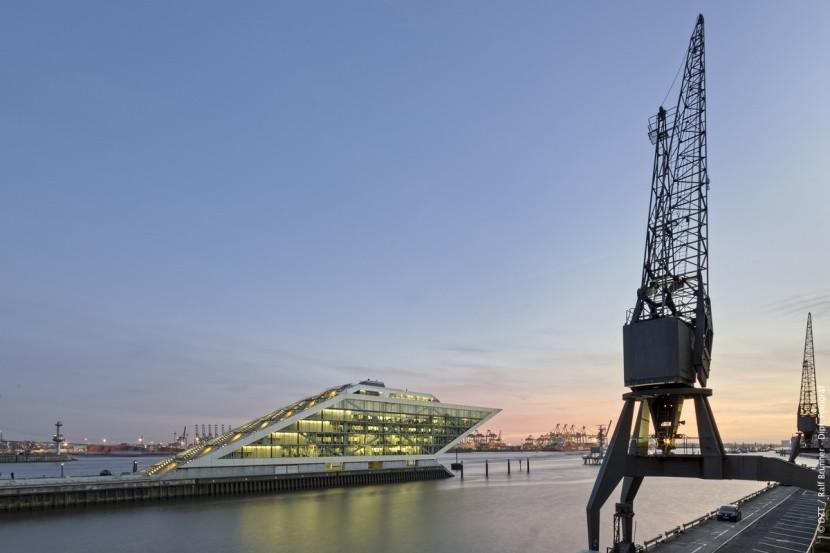 Rybářský přístav a Dockland