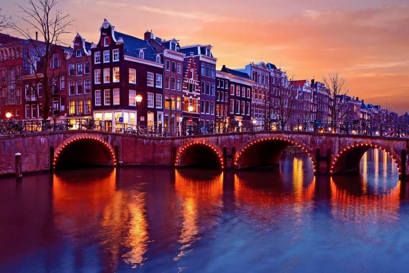 Noční Amsterdam