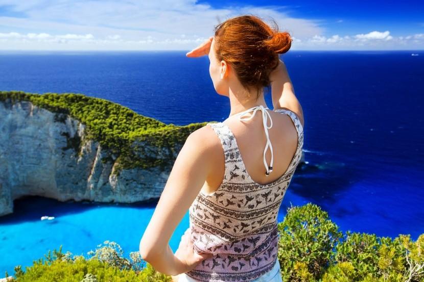 Užijte si výhledy z útesu nad pláží