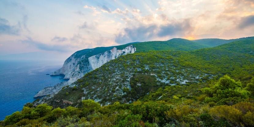 Příroda Zakynthosu láká k turistice