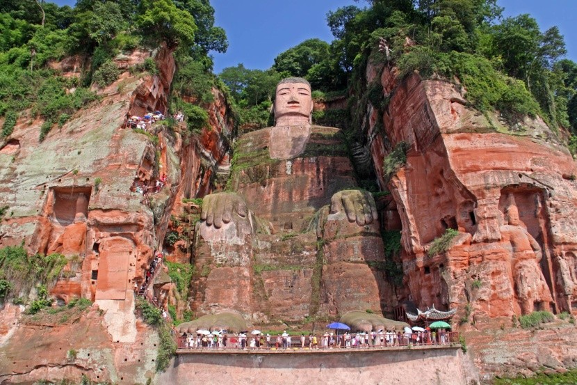 Lešanský Buddha, Čína